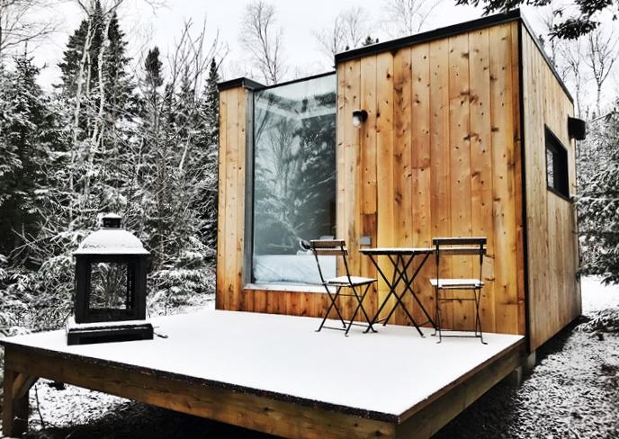 Le petit chalet MAIKAN au Repère Boréal dans Charlevoix. Inspiration camping/glamping Parka Architecture & Design, Québec.